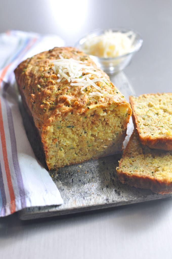Cukkínis-currys kenyér