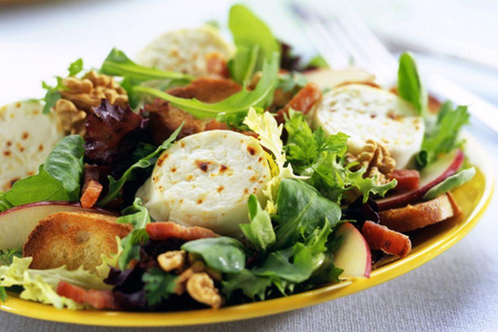 Kecskesajtos saláta
