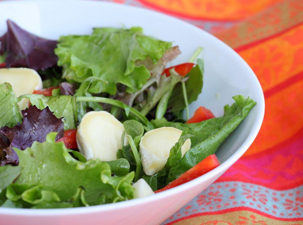 Körtés, diós saláta snack