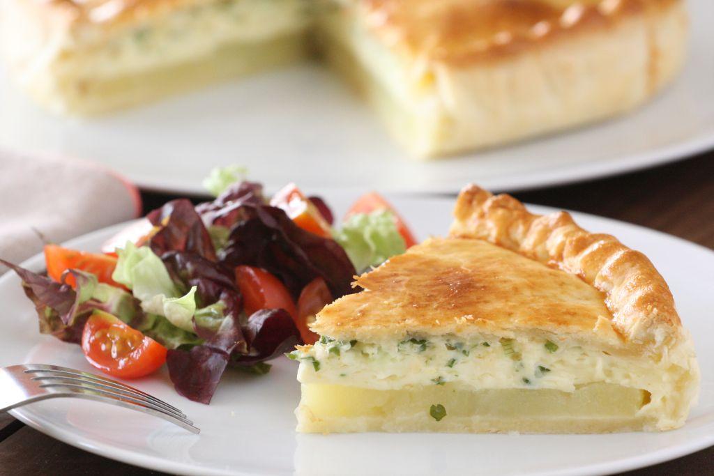 Camembert sajtos, krumplis pite