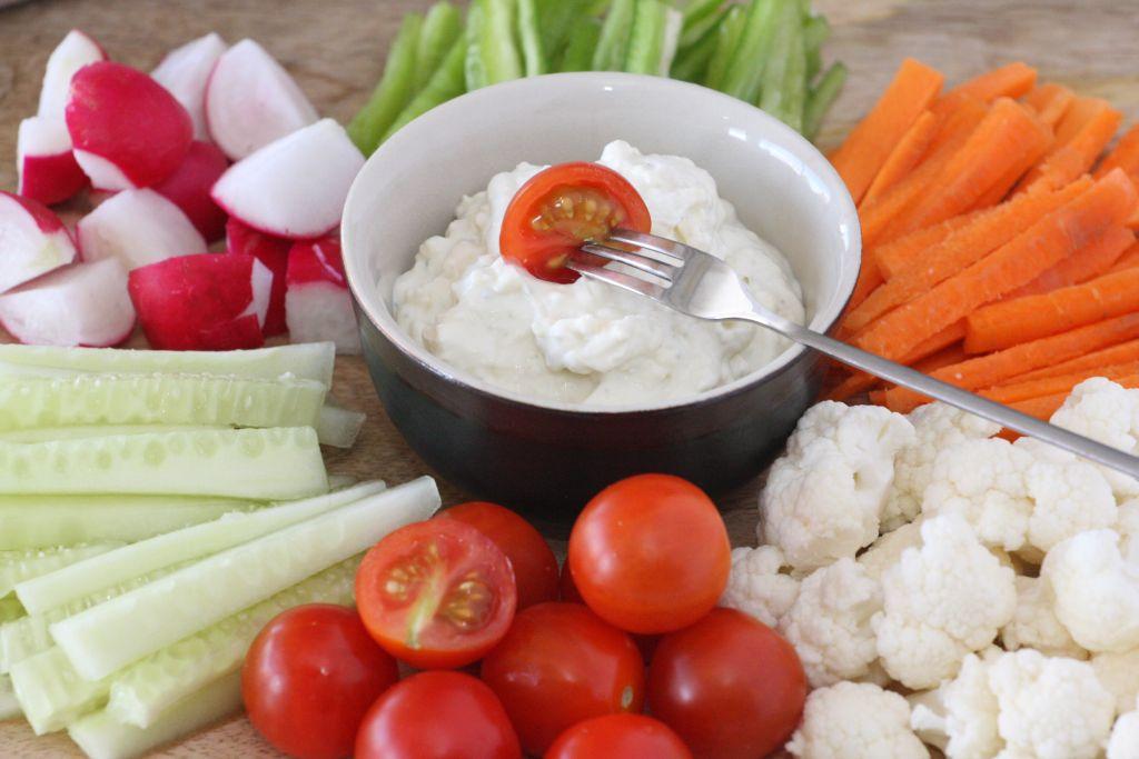 Zöldségek Bleu d'Auvergne sajttal