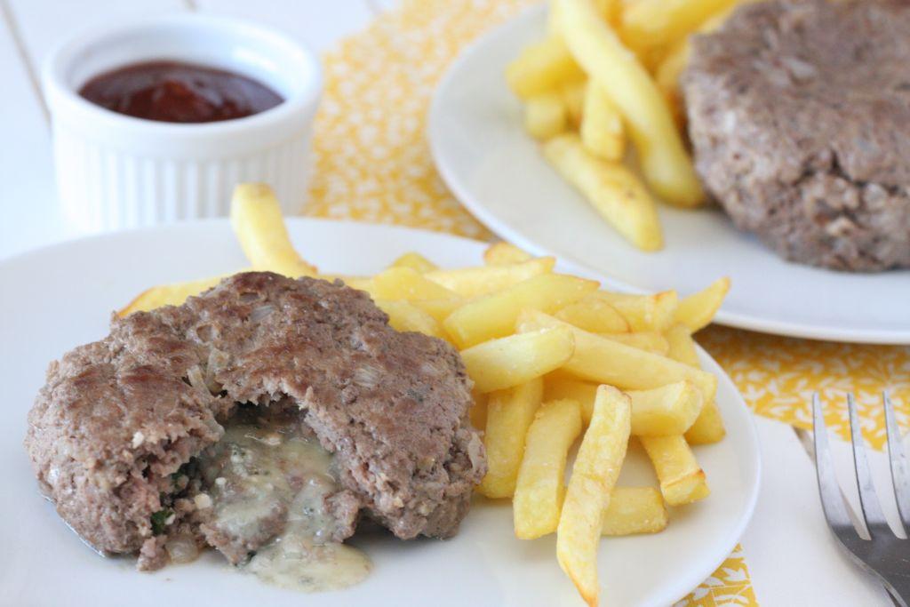 Darált hús Bleu d'Auvergne sajttal